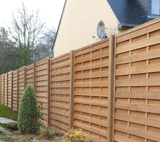 La pose d'une clôture tout un art, pour profiter de ses avantages